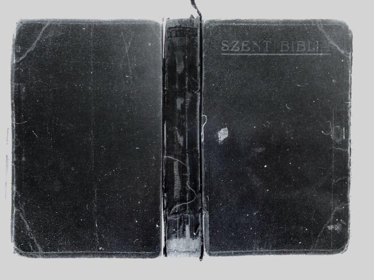 Erdély Miklós: Nyitott könyv - Csukott könyv (1982)